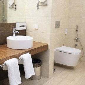 bathroom fitter London
